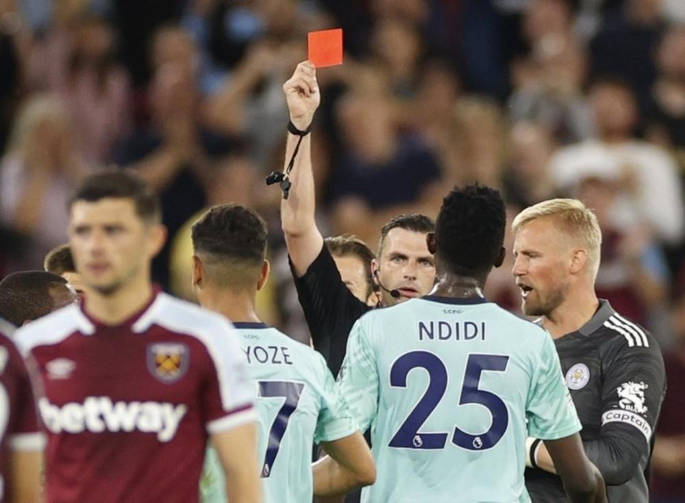 Hủy diệt Leicester, West Ham vươn lên dẫn đầu Ngoại hạng Anh - Ảnh 1.