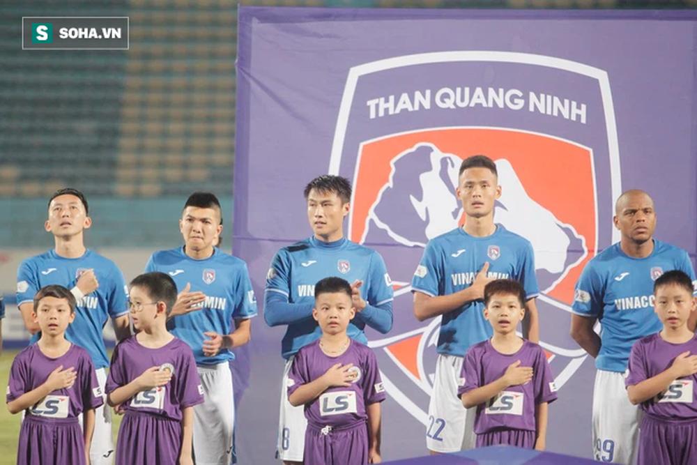 NÓNG: CLB Than Quảng Ninh dừng hoạt động, thanh lý hợp đồng và xin cầu thủ cho khất nợ - Ảnh 1.