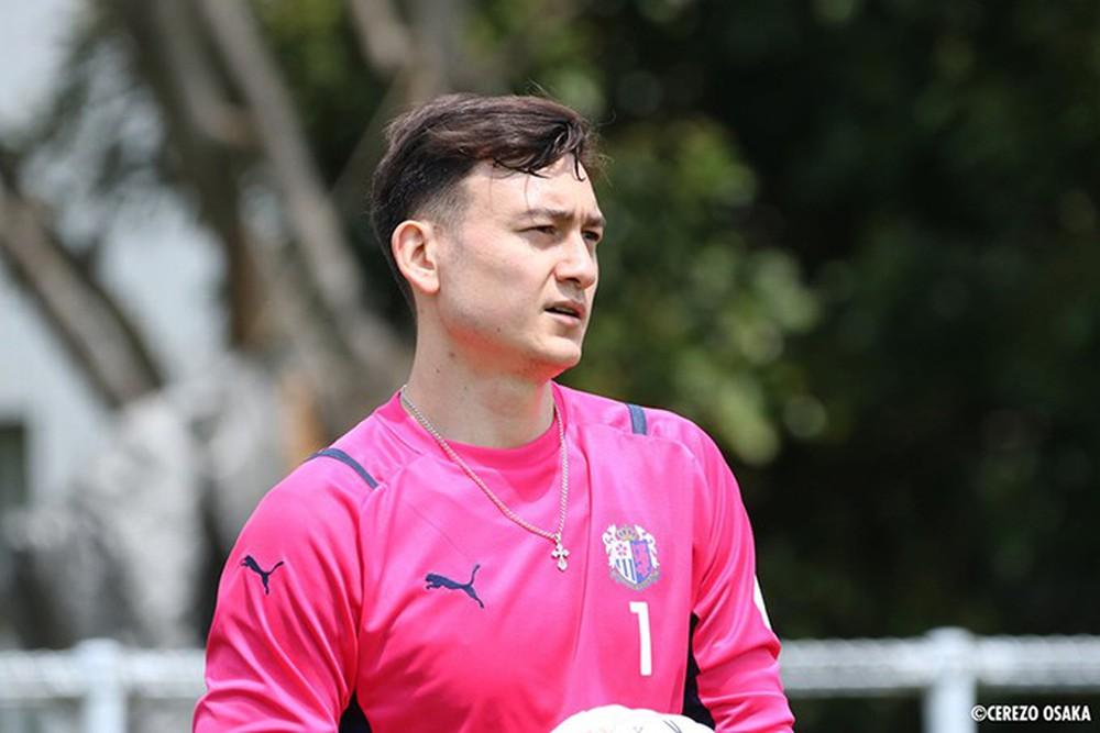 """Cerezo Osaka thua đậm khó tin trên sân nhà, Đặng Văn Lâm gặp cảnh """"vui buồn lẫn lộn"""" - Ảnh 2."""