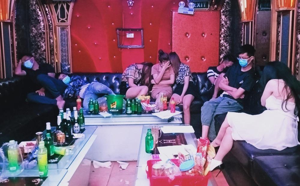Cựu đội phó đội Điều tra tổng hợp CA quận Đồ Sơn khai được chia 50 triệu trong vụ bắt ma túy ở quán karaoke