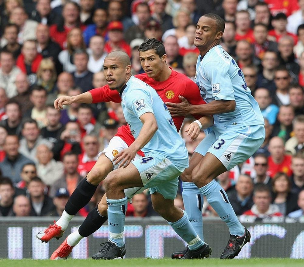 Từng tuyên bố không bao giờ khoác áo Man City vì yêu MU, Ronaldo đang làm điều ngược lại? - Ảnh 2.