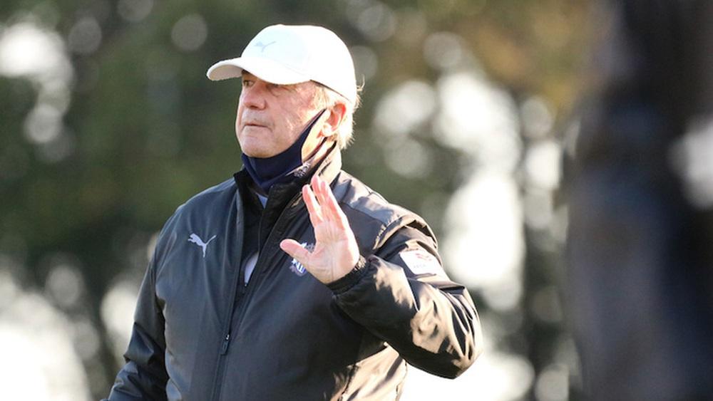 NÓNG: HLV Cerezo Osaka bị sa thải sau thành tích bết bát, cơ hội lớn đến với Đặng Văn Lâm? - Ảnh 1.