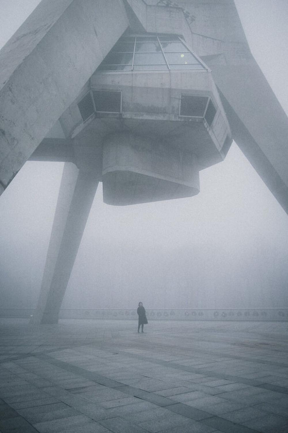 Những tòa nhà nhìn thoáng qua đã thấy rùng mình - Ảnh 8.