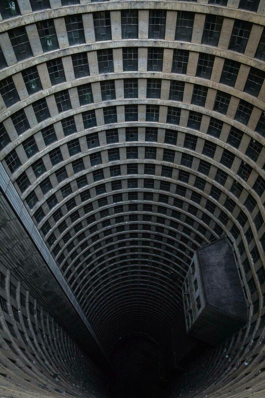 Những tòa nhà nhìn thoáng qua đã thấy rùng mình - Ảnh 10.
