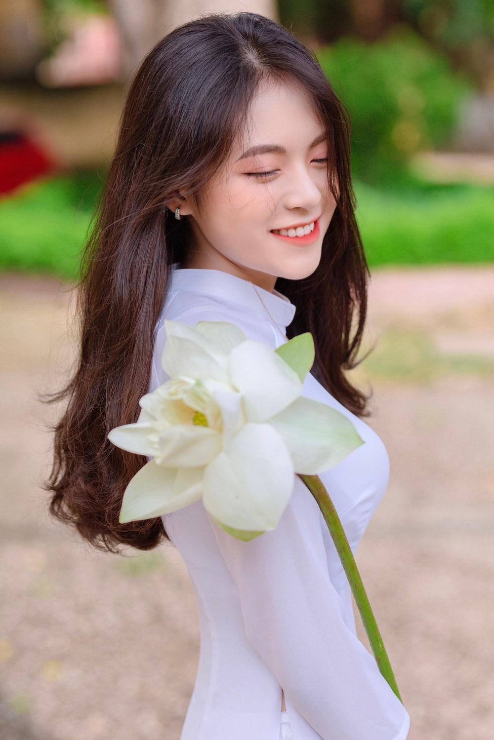 Hoa khôi trường Y sở hữu vẻ đẹp ngọt ngào gây thương nhớ trong tà áo dài - Ảnh 3.