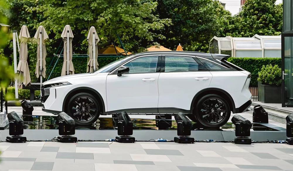 Cận cảnh SUV Trung Quốc tiêu thụ 6,6L/100km, đẹp mướt mắt, có chi tiết na ná VinFast - Ảnh 3.