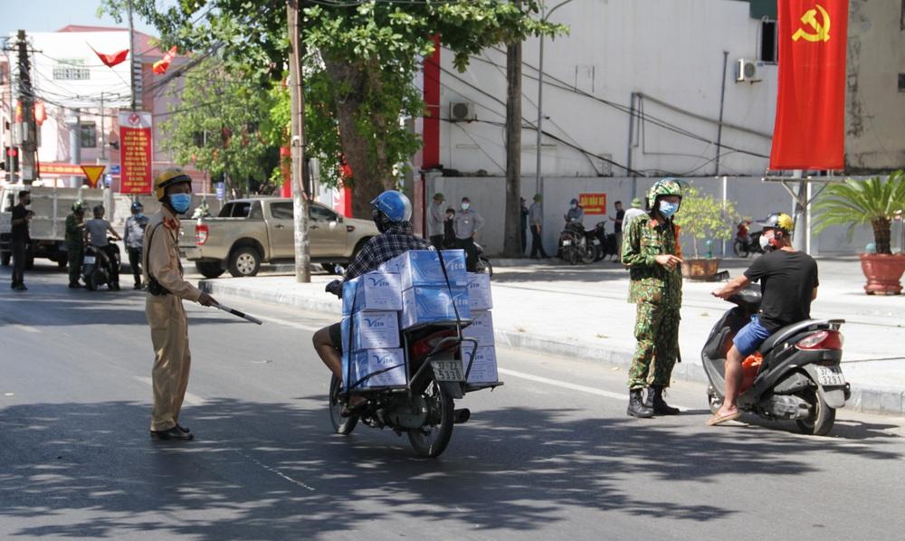 TP. Vinh: Hơn 1.200 người ra đường trong Chỉ thị 16 và vi phạm phòng chống dịch, bị phạt gần 2,9 tỷ đồng - Ảnh 1.