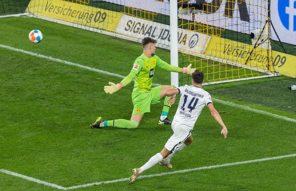 Dortmund 3 - 2 Hoffenheim: Haaland cứu rỗi Dortmund trong cuộc rượt đuổi tỉ số nghẹt thở - Ảnh 5.
