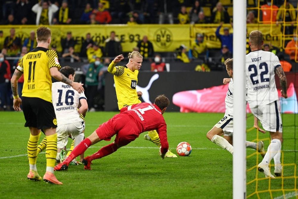 Dortmund 3 - 2 Hoffenheim: Haaland cứu rỗi Dortmund trong cuộc rượt đuổi tỉ số nghẹt thở - Ảnh 9.