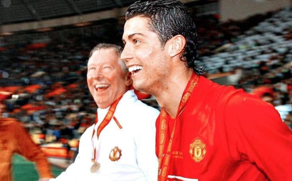 Sir Alex và dàn sao Man United đã thuyết phục Ronaldo về lại Old Trafford như thế nào?