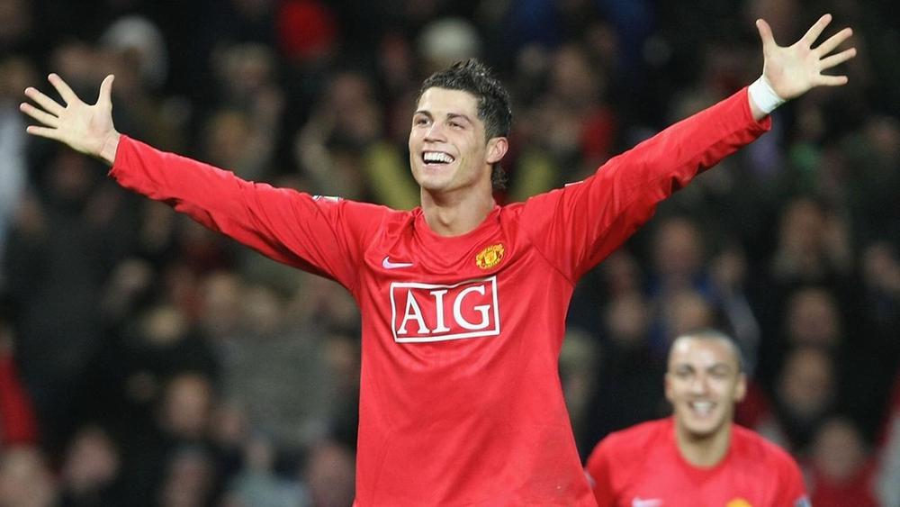 Hé lộ trận Ronaldo ra mắt Man Utd: Diễn ra tại Old Trafford, gặp đối thủ cực kỳ đáng nhớ? - Ảnh 1.