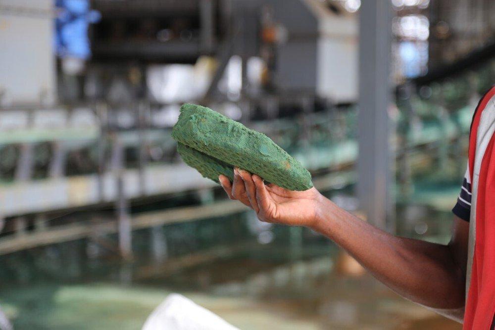 Bị Trung Quốc trục lợi từ các mỏ kim loại béo bở: Quốc gia Châu Phi tìm cách phản kháng - Ảnh 1.