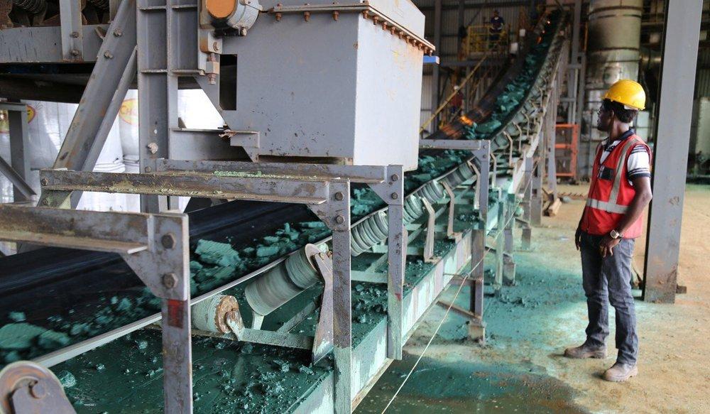 Bị Trung Quốc trục lợi từ các mỏ kim loại béo bở: Quốc gia Châu Phi tìm cách phản kháng - Ảnh 3.