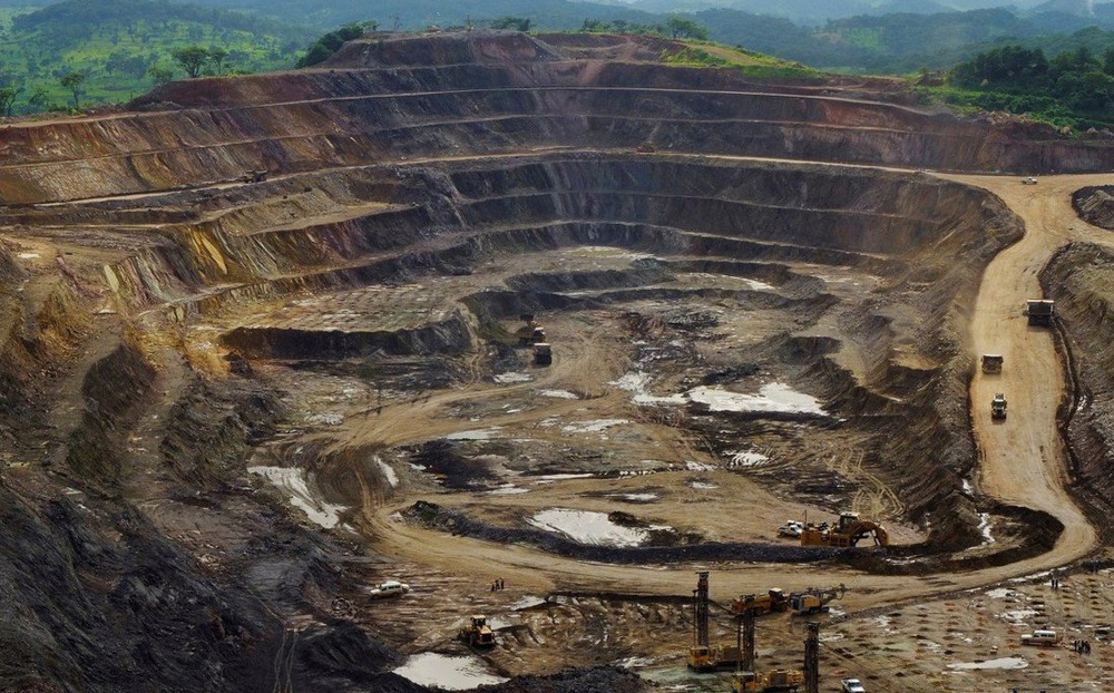 """Bị Trung Quốc """"trục lợi"""" từ các mỏ kim loại béo bở: Quốc gia Châu Phi tìm cách phản kháng"""