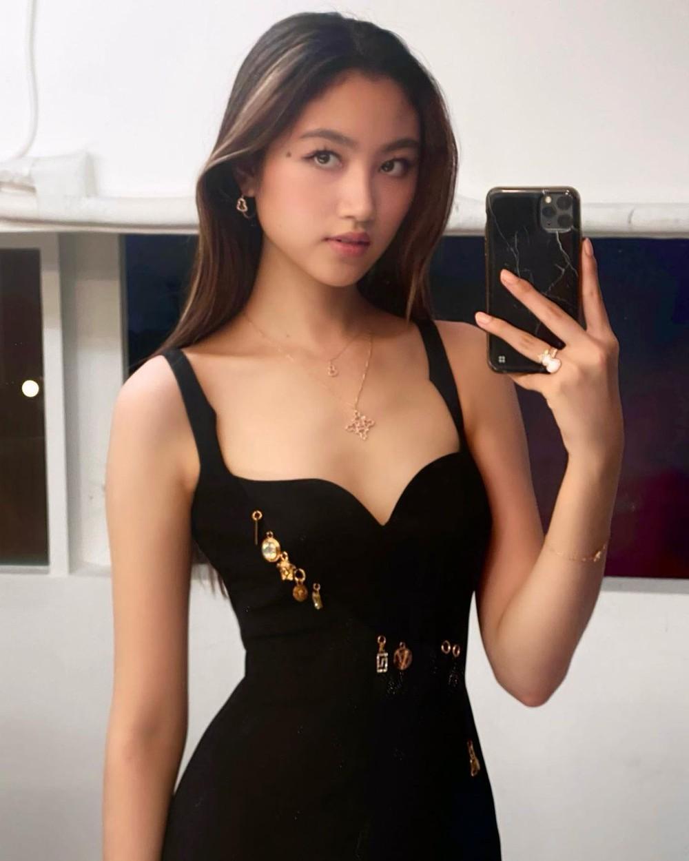 Con gái ông trùm showbiz Hong Kong: Đẹp ấn tượng, 17 tuổi cao 1,8m, chân dài miên man - Ảnh 1.