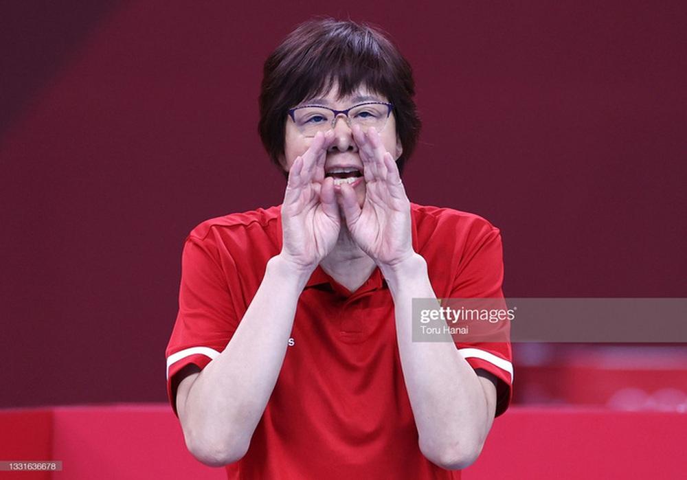 VĐV Trung Quốc khóc như mưa, cúi rạp người chia tay HLV huyền thoại ở Olympic Tokyo 2020 - Ảnh 12.