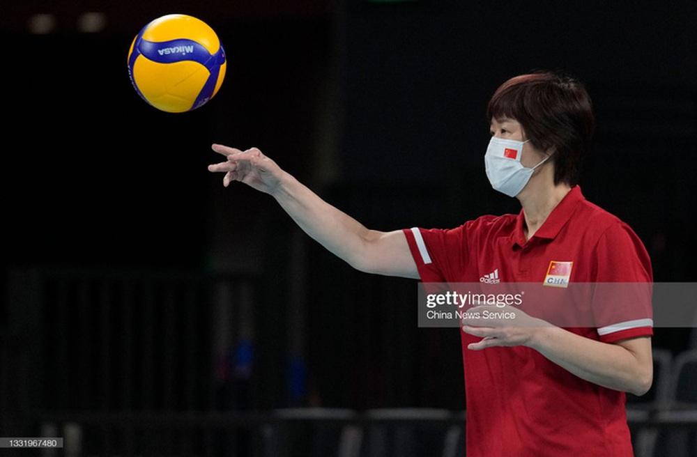 VĐV Trung Quốc khóc như mưa, cúi rạp người chia tay HLV huyền thoại ở Olympic Tokyo 2020 - Ảnh 8.