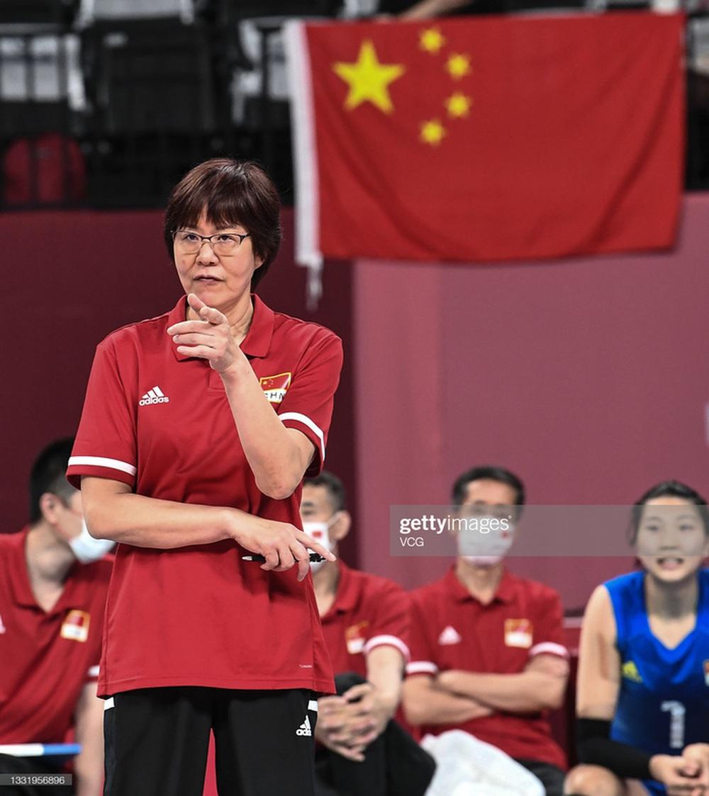 VĐV Trung Quốc khóc như mưa, cúi rạp người chia tay HLV huyền thoại ở Olympic Tokyo 2020 - Ảnh 9.
