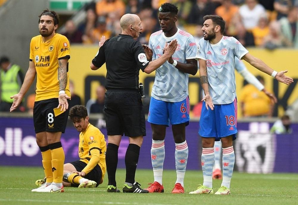 Toàn cảnh tình huống gây tranh cãi nhất trong trận Wolves 0-1 MU - Ảnh 4.