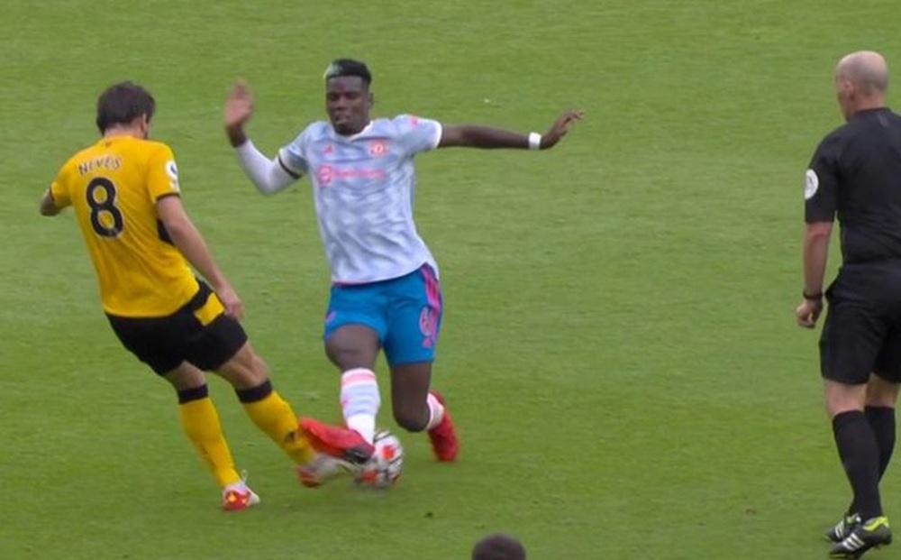 Toàn cảnh tình huống gây tranh cãi nhất trong trận Wolves 0-1 MU