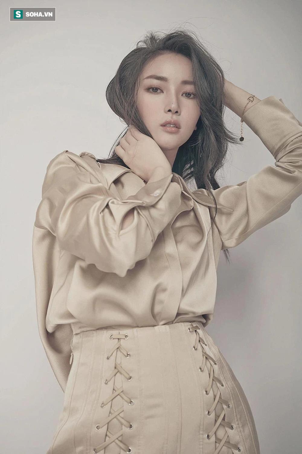 Nữ BTV xinh đẹp Khánh Linh: Chúng ta đều mong ĐTVN thắng, nhưng cũng phải thực tế... - Ảnh 4.