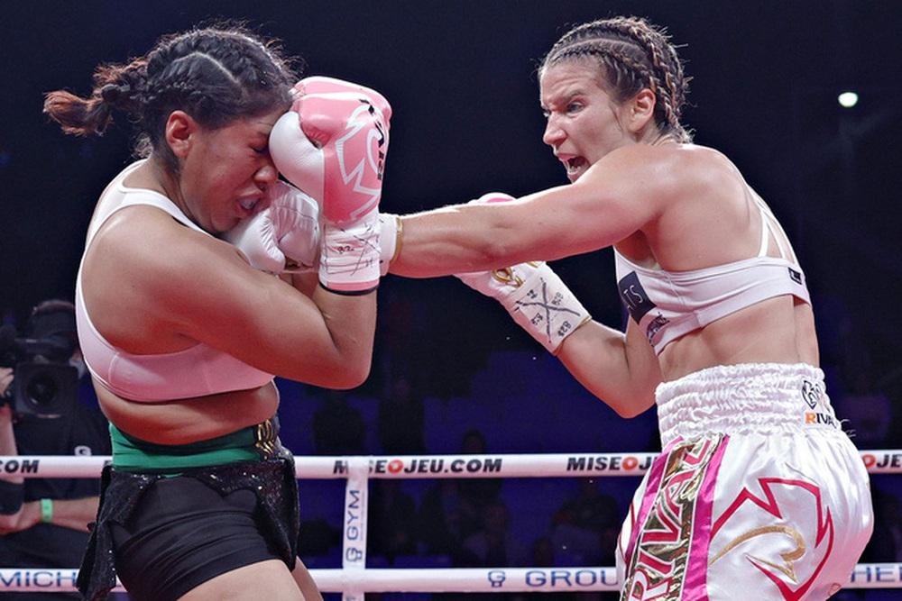 Nữ võ sĩ nguy kịch sau khi bị đối thủ hạ đo ván trên sàn đấu - Ảnh 2.