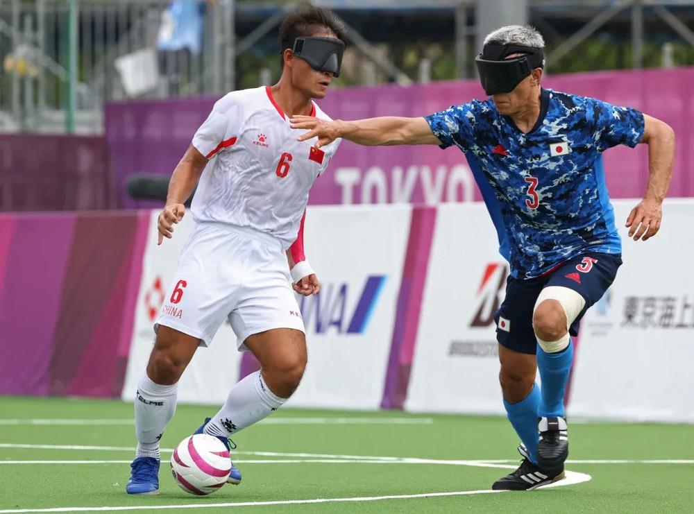 Ghi hai siêu phẩm mang dáng dấp Messi, Trung Quốc hạ gục Nhật Bản đầy tự hào - Ảnh 3.