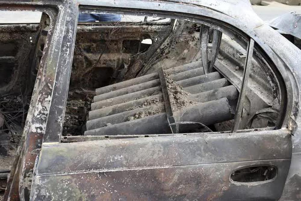 IS nã rốc-két vào sân bay Kabul bằng 6 ống phóng đặt trên... xe hơi - Ảnh 2.