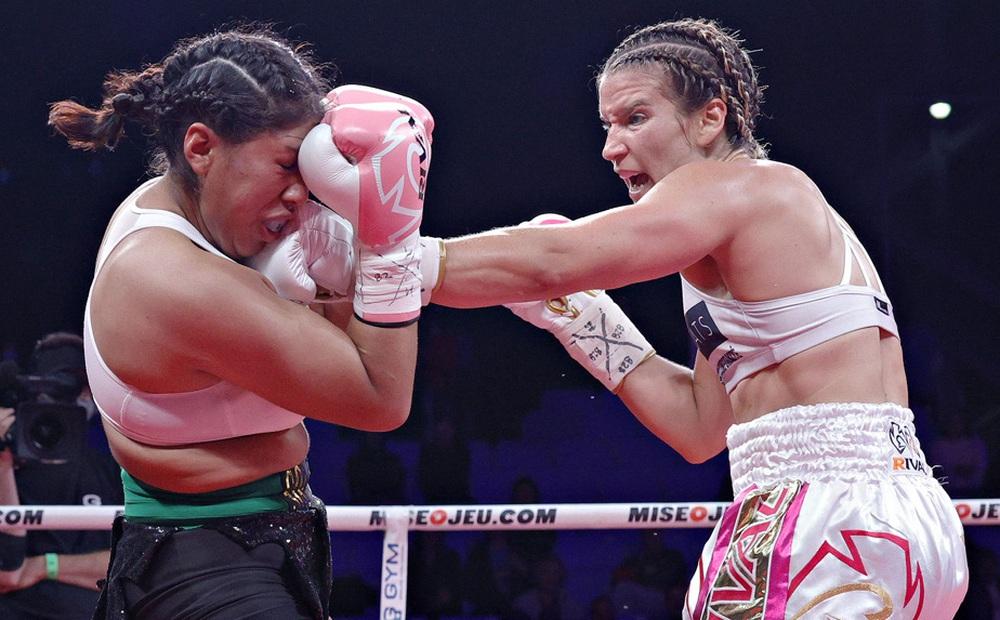 Nữ võ sĩ nguy kịch sau khi bị đối thủ hạ đo ván trên sàn đấu