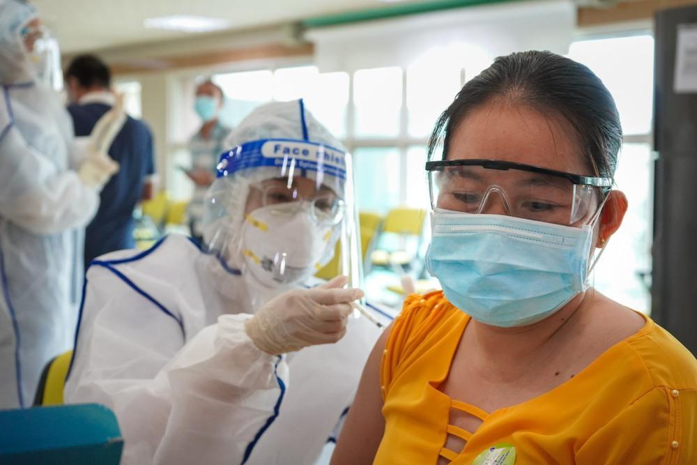 TS BS Nguyễn Huy Luân giải đáp thắc mắc về vắc xin Pfizer ai cũng cần biết - Ảnh 1.