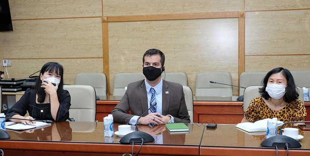 USAID và CDC Hoa Kỳ cam kết hỗ trợ Việt Nam có thêm nguồn cung ứng vắc xin, trang thiết bị điều trị Covid-19 - Ảnh 3.