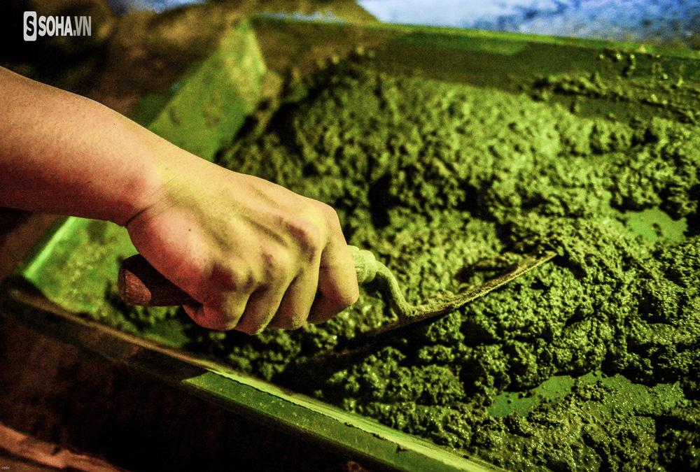 Hà Nội: Hàng chục công nhân làm việc xuyên đêm để sửa chữa hầm chui Kim Liên - Ảnh 9.