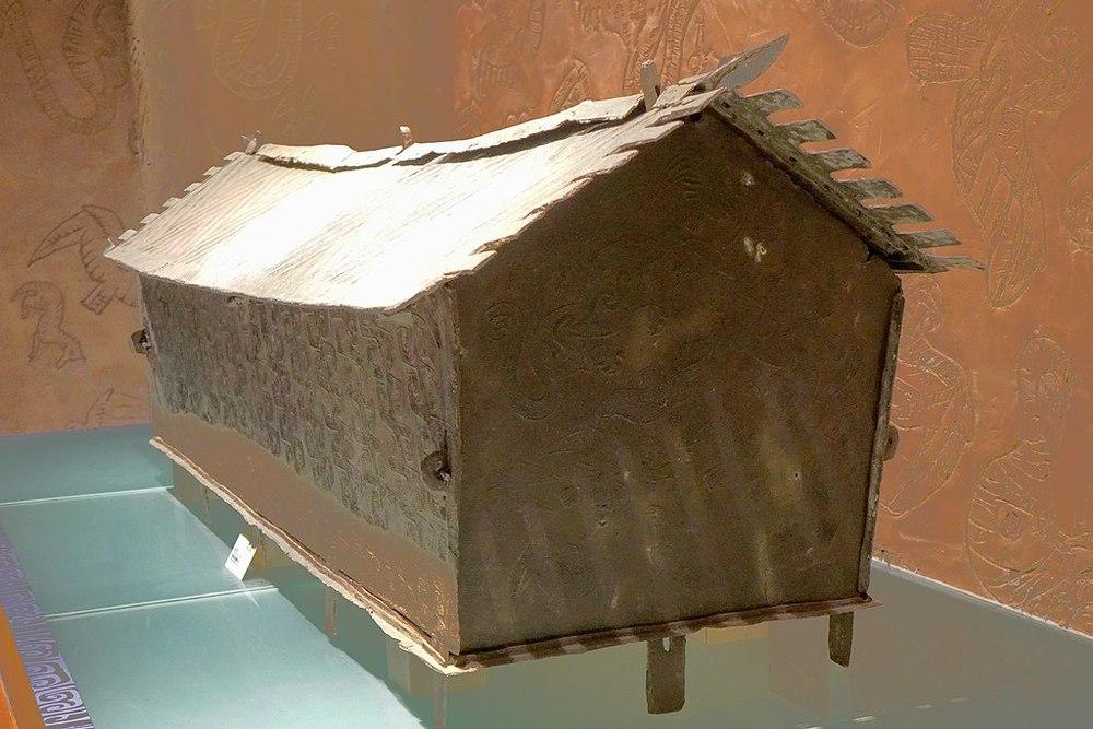 Đào được cỗ quan tài đồng 5 tấn, đoàn khảo cổ gọi cấp trên nhờ hỗ trợ thì nhận lệnh sét đánh: Lập tức phá nó đi! - Ảnh 3.