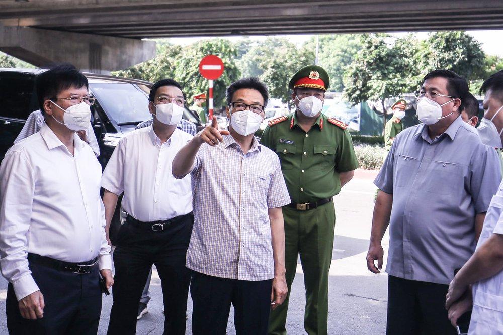 Phó Thủ tướng Vũ Đức Đam: Hà Nội phải sẵn sàng mọi tình huống dịch Covid-19, không để bị động, bất ngờ - Ảnh 1.