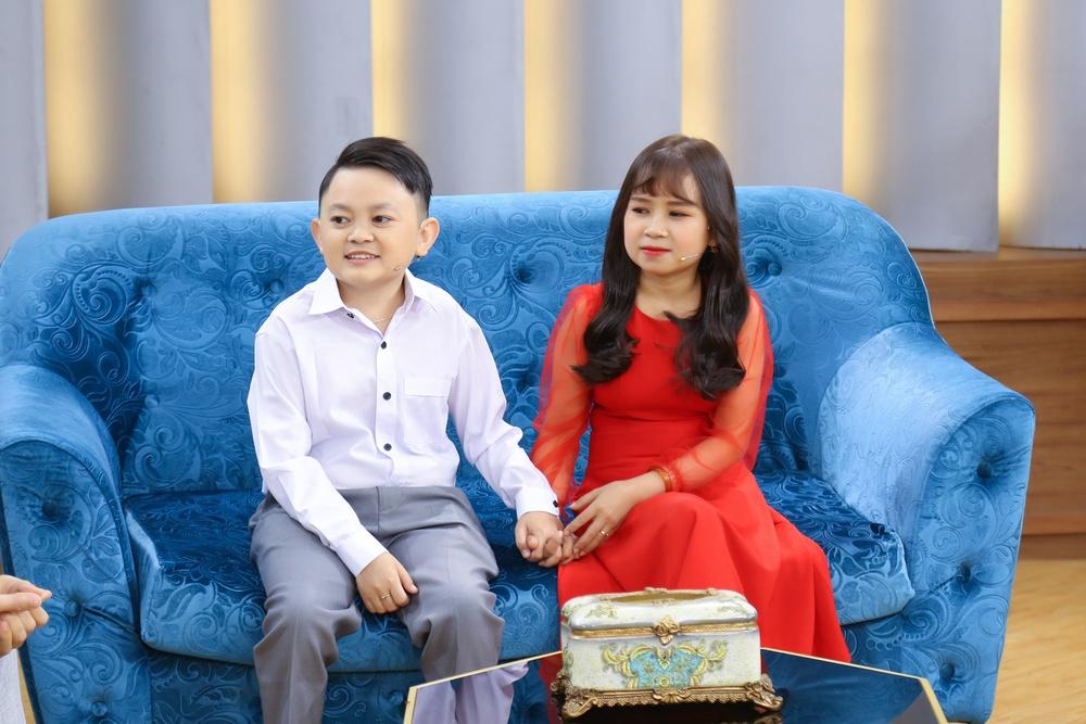 Vợ chồng Youtuber tí hon khiến Ốc Thanh Vân xót xa vì không thể sinh con - Ảnh 4.