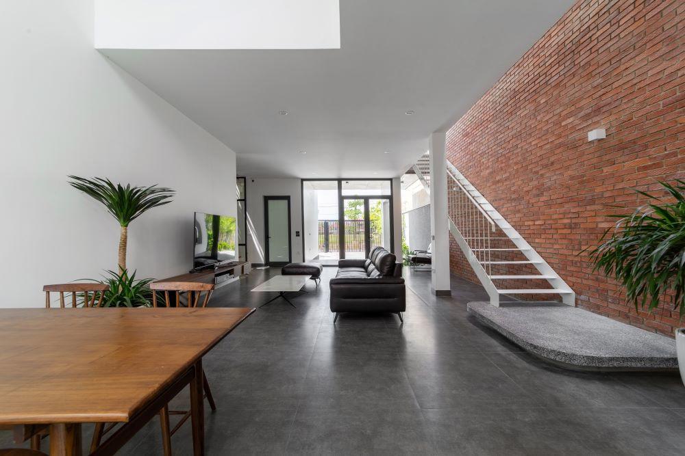 Cải tạo nhà cũ một tầng thành 3 tầng thông thoáng và tiện nghi - Ảnh 4.