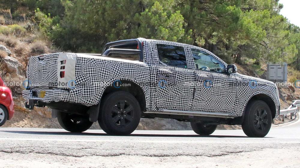 Bắt gặp vua bán tải Ford Ranger mới ngụy trang siêu kỹ nhưng lại lộ điều quan trọng nhất chỉ vì 1 mảnh giấy - Ảnh 5.