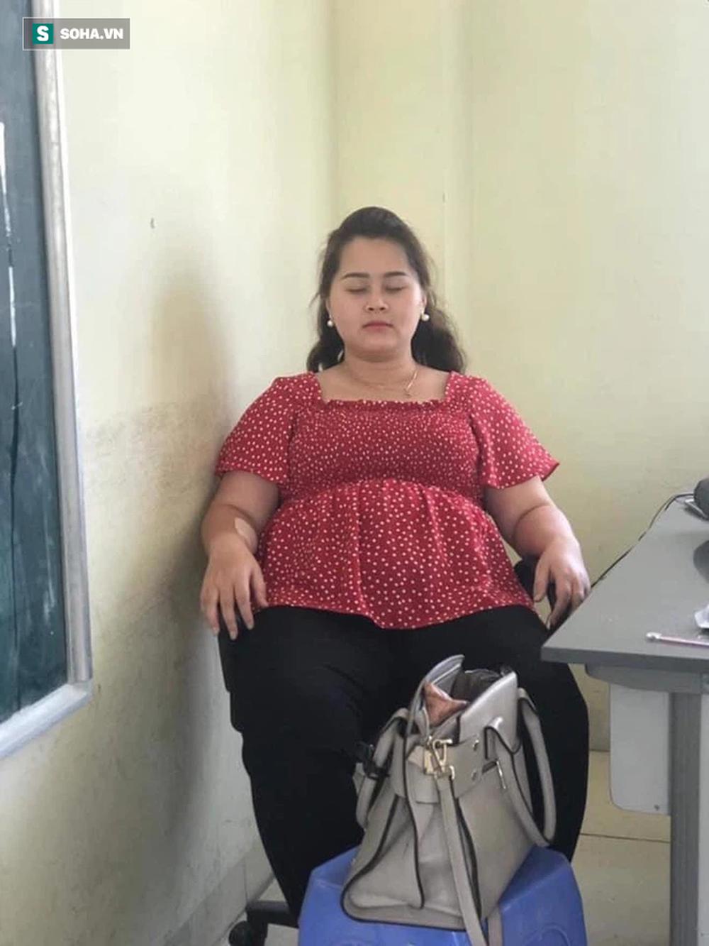 Giảm 34kg trong 1 năm, cô gái có màn lột xác ngoạn mục khiến người xung quanh không thể tin được - Ảnh 2.