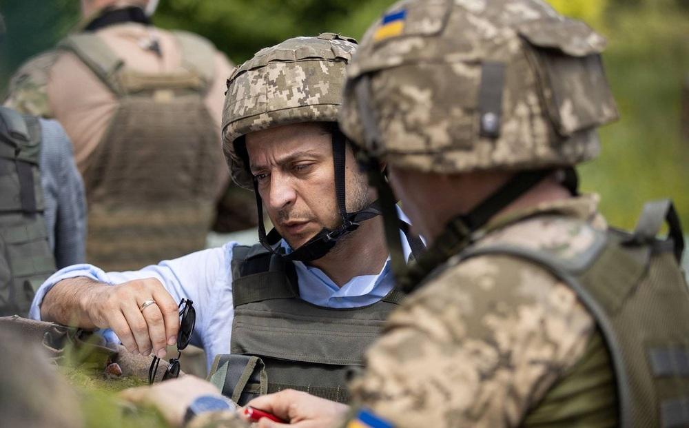 """TT Ukraine tố """"chiêu trò"""" của Nga ở Donbass: Đầu tiên là cấp hộ chiếu, sau đó là nhảy vào tuyên bố """"bảo vệ dân"""""""