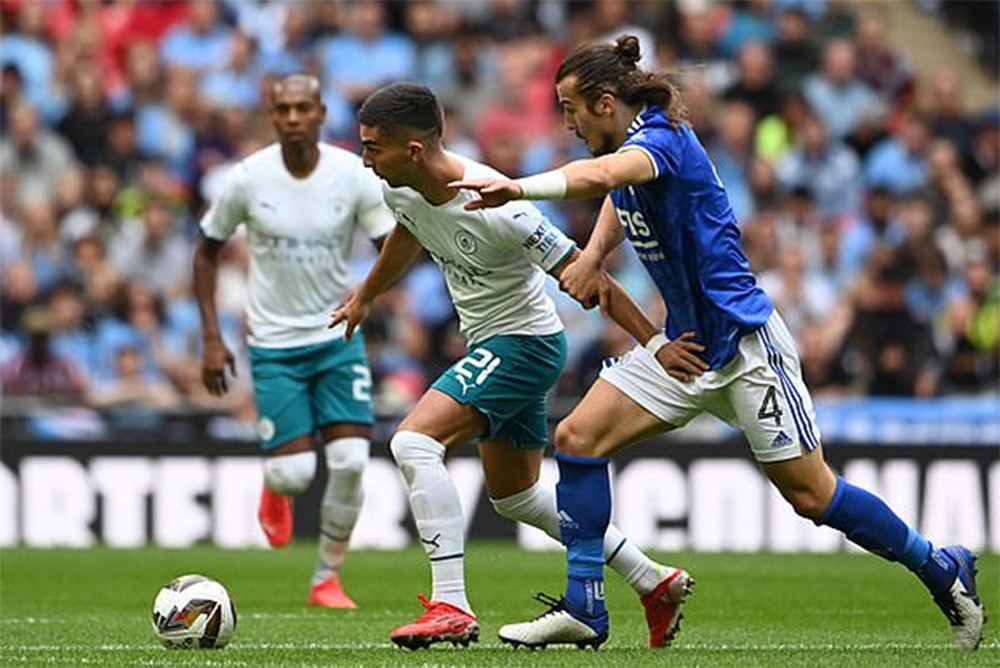 Leicester giành Siêu cúp, Grealish ra mắt buồn - Ảnh 1.