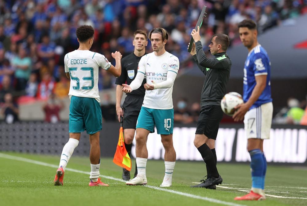 Leicester giành Siêu cúp, Grealish ra mắt buồn - Ảnh 2.
