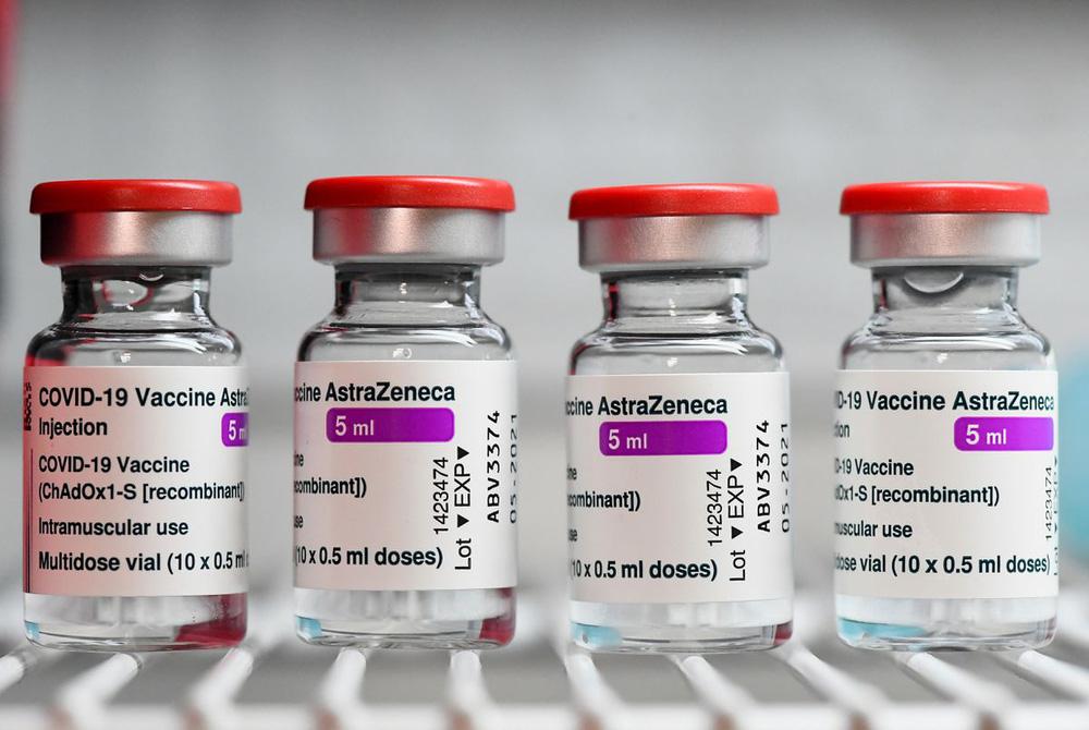 So sánh 4 loại vaccine COVID-19, phát hiện vaccine AstraZeneca đứng số 1 về ngăn ngừa nhập viện - Ảnh 1.