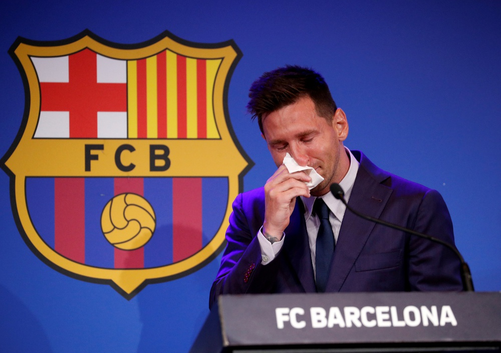 Hé lộ điều luật đặc biệt minh oan cho Messi trong vụ chia tay Barcelona - Ảnh 1.