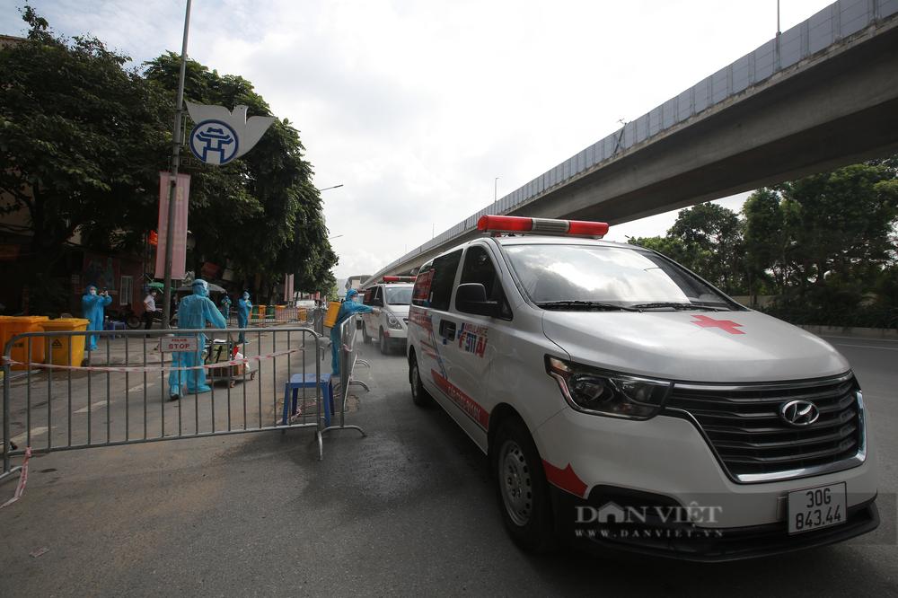Phó giám đốc CDC: Hà Nội có thể sẽ tiếp tục giãn cách xã hội sau ngày 6/9 - Ảnh 1.