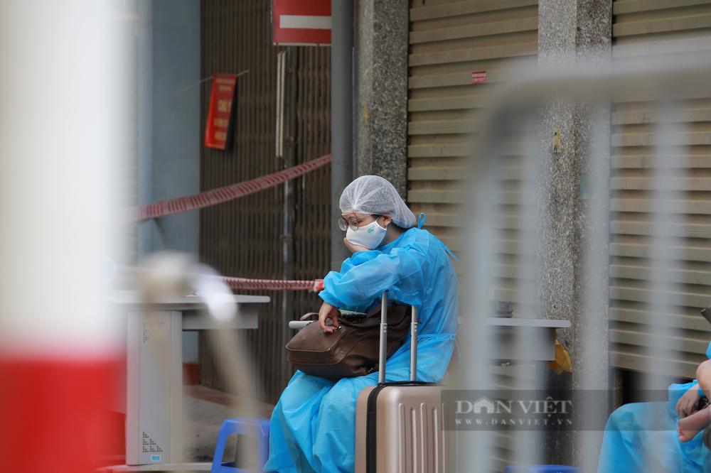 Phó giám đốc CDC: Hà Nội có thể sẽ tiếp tục giãn cách xã hội sau ngày 6/9 - Ảnh 2.