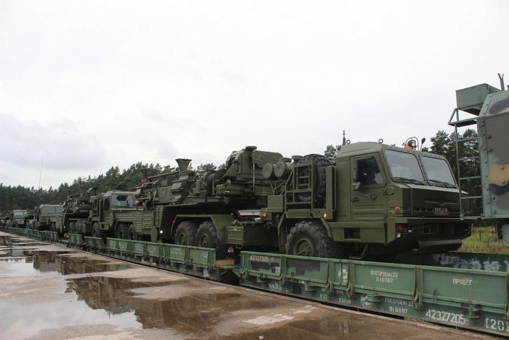 Báo Nga: TT Putin buộc ông Lukashenko phải hạ cánh khẩn cấp xuống căn cứ không quân Nga - Ảnh 1.
