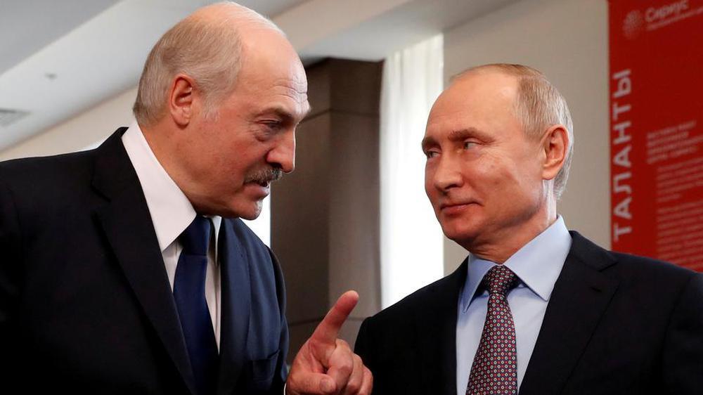 Báo Nga: TT Putin buộc ông Lukashenko phải hạ cánh khẩn cấp xuống căn cứ không quân Nga - Ảnh 4.