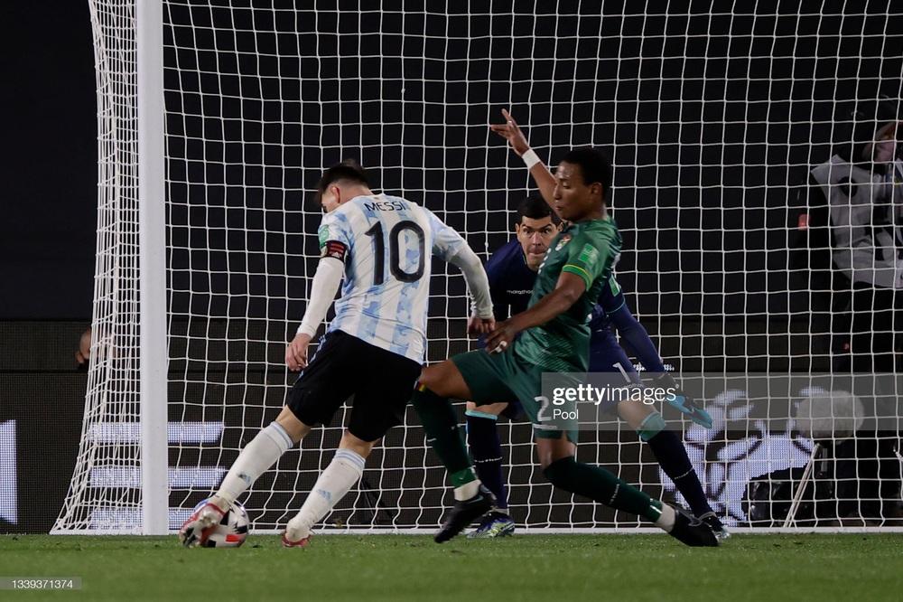 Kết quả Argentina vs Bolivia: Messi lập hat-trick, vượt qua siêu kỷ lục của Pele - Ảnh 3.