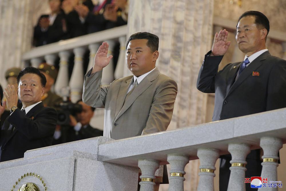 3 tháng sau bài báo người Triều Tiên lo lắng vì lãnh đạo tiều tụy, ông Kim Jong-un tái xuất cực phong độ - Ảnh 4.
