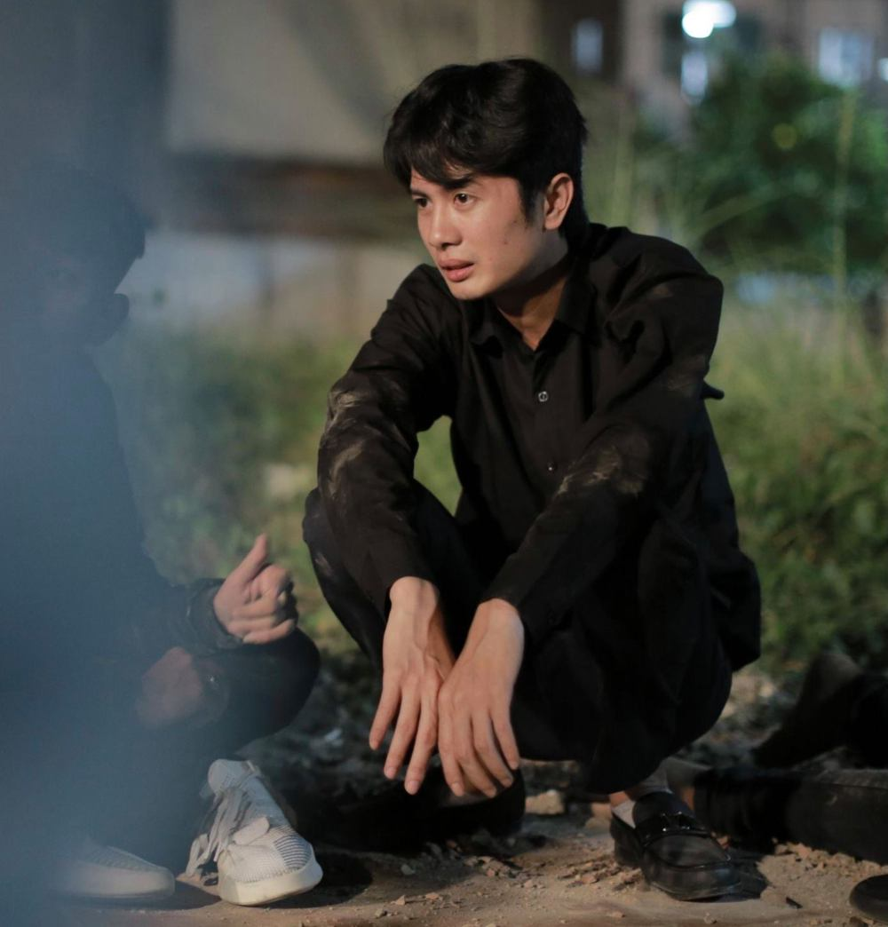 Diễn viên nhóm hài FAP TV: Bố mẹ bán đất cho đi học, lên Sài Gòn ăn chơi, mang nợ, định tự tử - Ảnh 4.